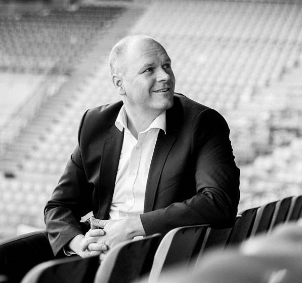 Dr. Holger Schmitz im Stadion business elf Managementberatung