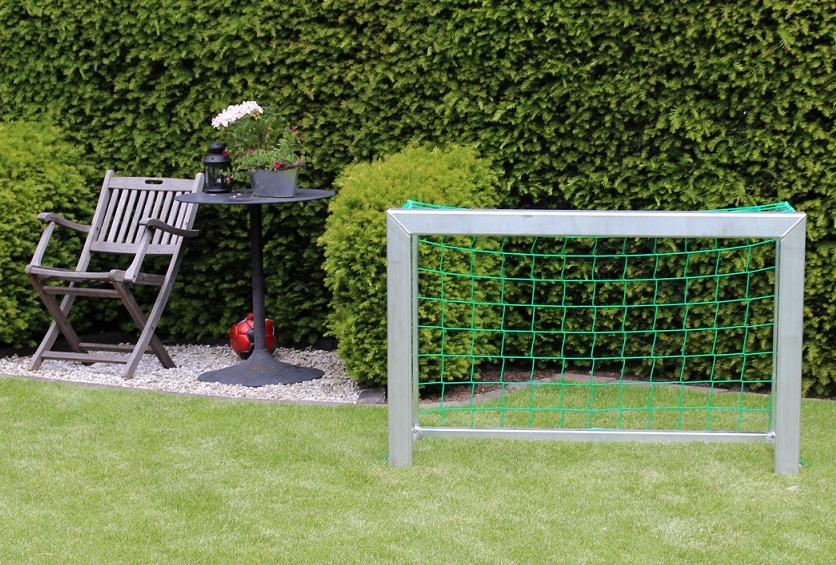 Minitor von artec Sportgeräte im Garten