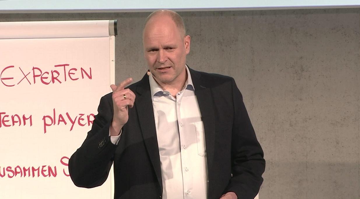 Schnittstellenmanagement im Unternehmen organisieren - Managementberater Dr. Holger Schmitz