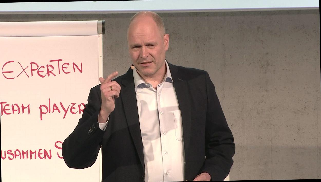 Schnittstellenmanagement im Unternehmen organisieren mit Managementberater Dr. Holger Schmitz