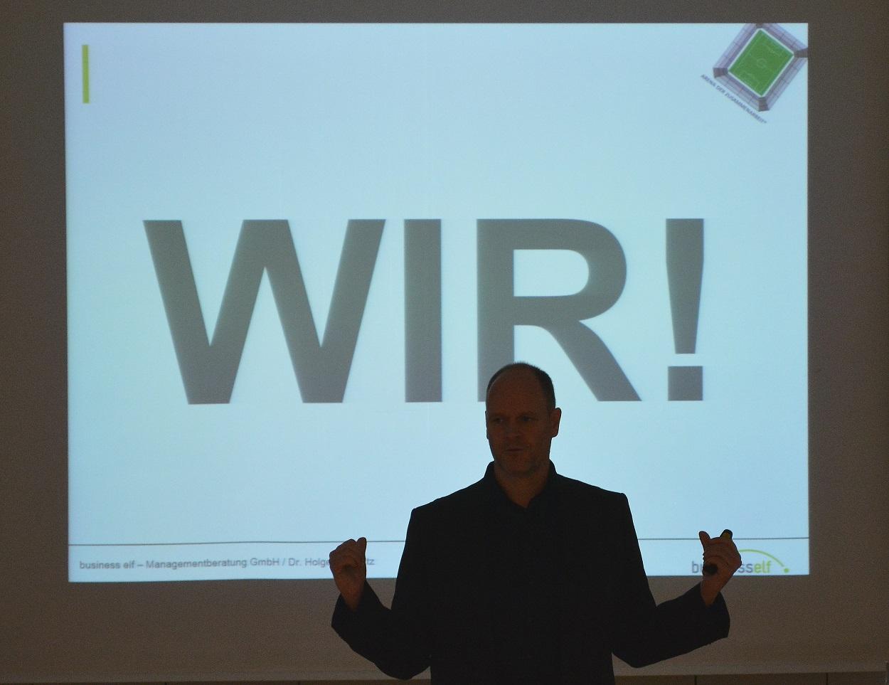 BMW Aftersaleskonferenz keynote speaker Dr. Holger Schmitz