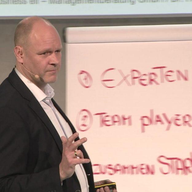 Vortrag über Zusammenarbeit und Führung