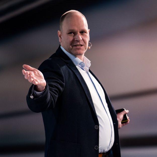 Moderation von Strategie Workshops mit Moderator keynote speaker Dr. Holger Schmitz