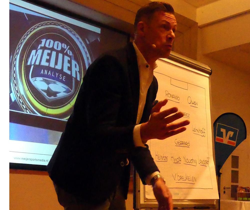 Keynote Speaker Erik Meijer mit Dr. Holger Schmitz in Keynote YNWA