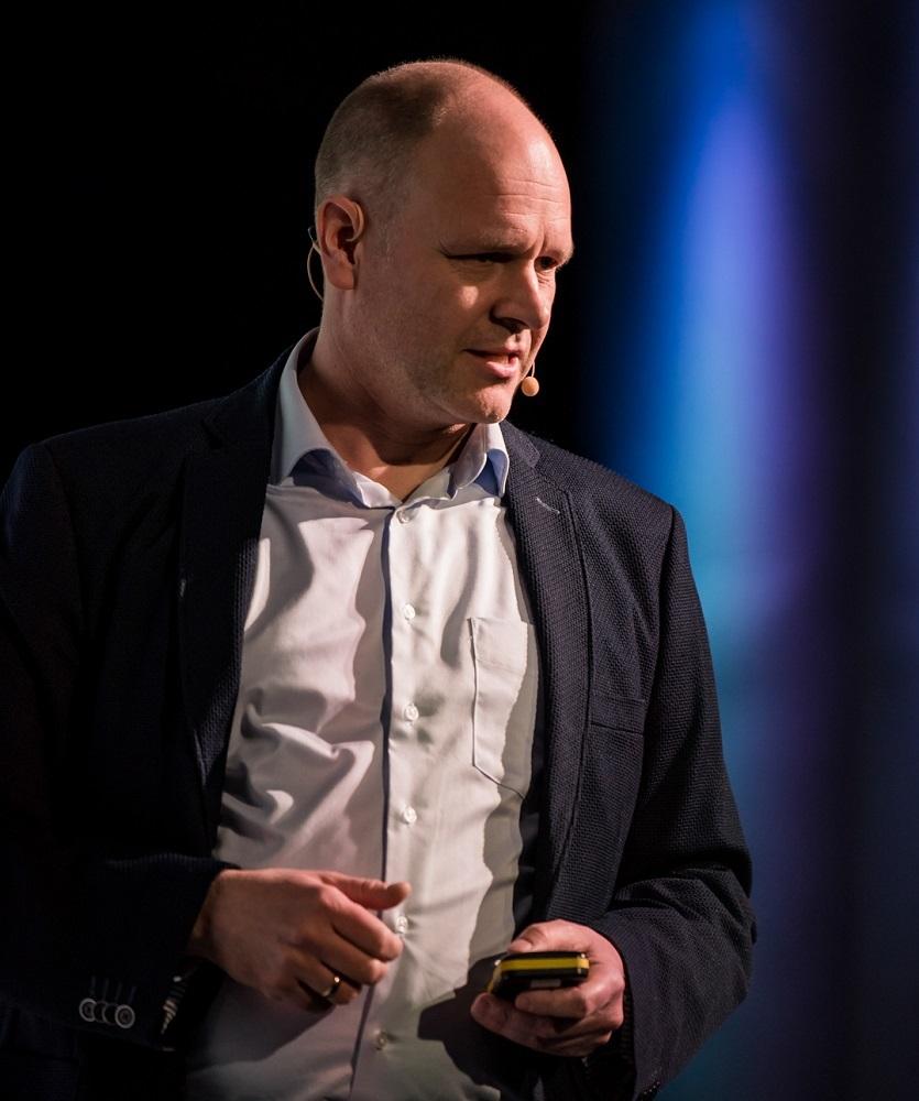 Leadership Redner Dr. Holger Schmitz live auf der Bühne
