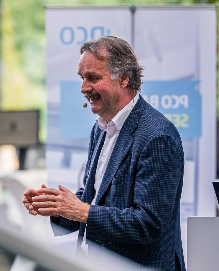 Keynote Speaker und Fußballredner Peter Neururer live
