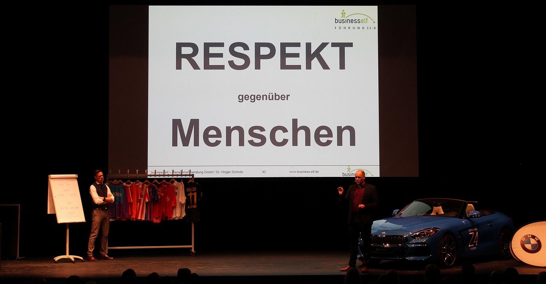 Teamwork im Unternehmen und Respekt gegenüber Menschen