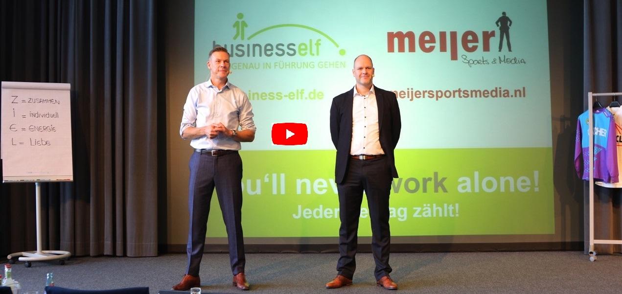 Leadership Experten - Diversity Speaker live auf der Bühne - Dr. Schmitz und Erik Meijer