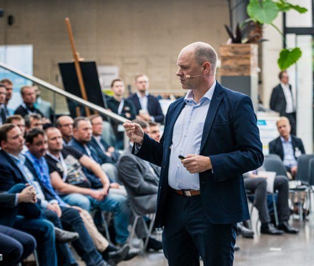 Virtuelle Keynote Leben statt Kleben mit Dr. Holger Schmitz